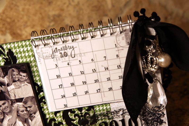 2010 Calendar charms