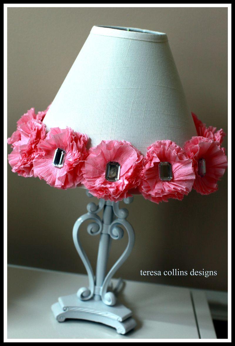Crepe paper blingage lamp