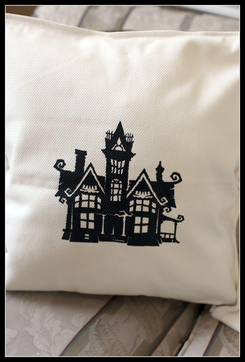 TC Chic & Scary HAUNTED HOUSE YUDU pillow