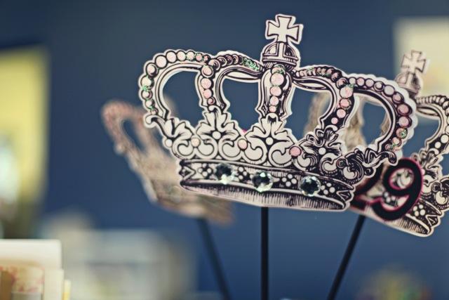TC_ArtInspired_crown