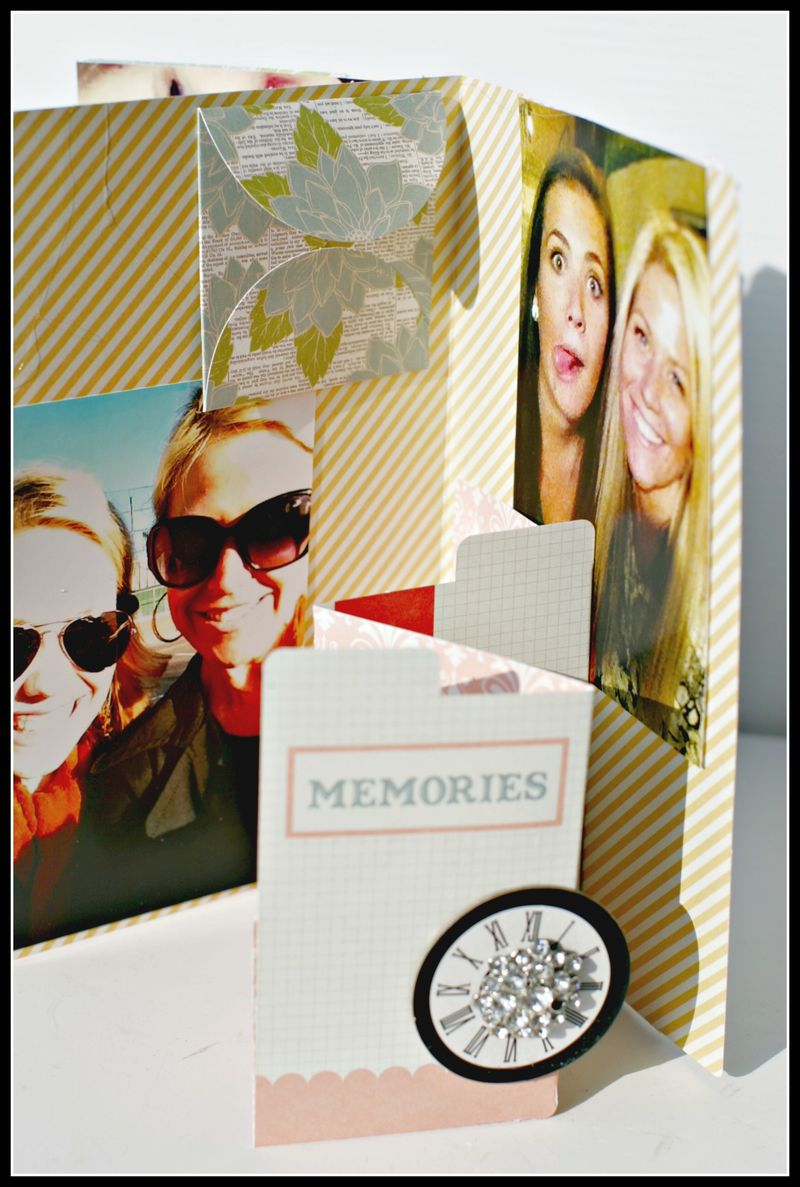 MEMORIES- file folder w garland view 4 accordion card open