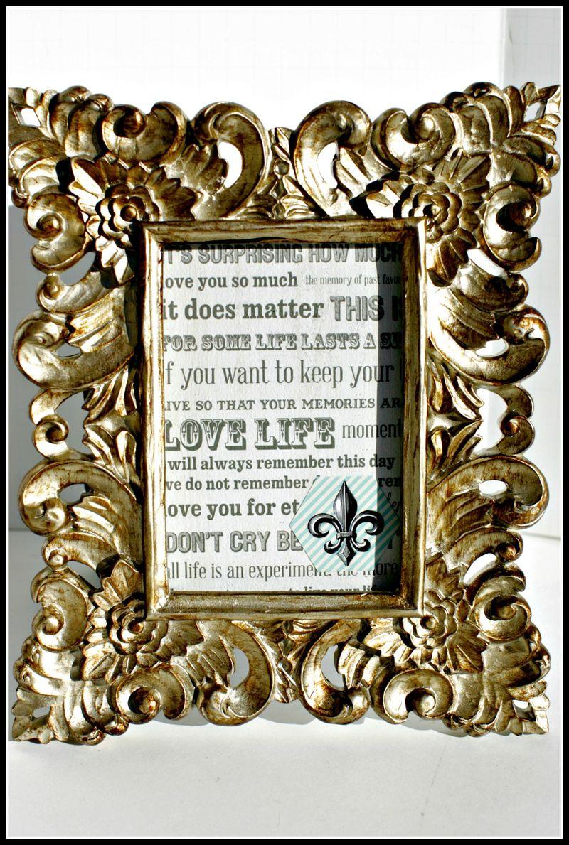 3. MEMORIES- LOVE LIFE gold frame