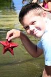 Zach_holding_starfish